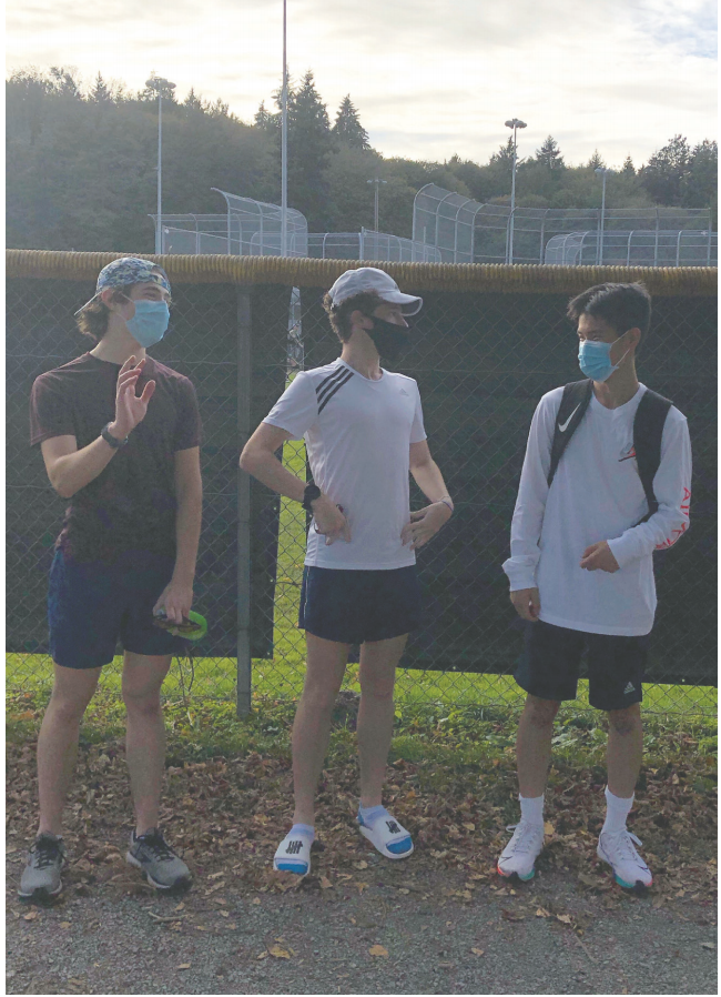 Senior Max Lagunoff attends a UPrep exercise pod with fellow cross country team members Andrew Ye and Sidney LeVine. Lagunoff uses running to exercise and hang out with his friends during this time.