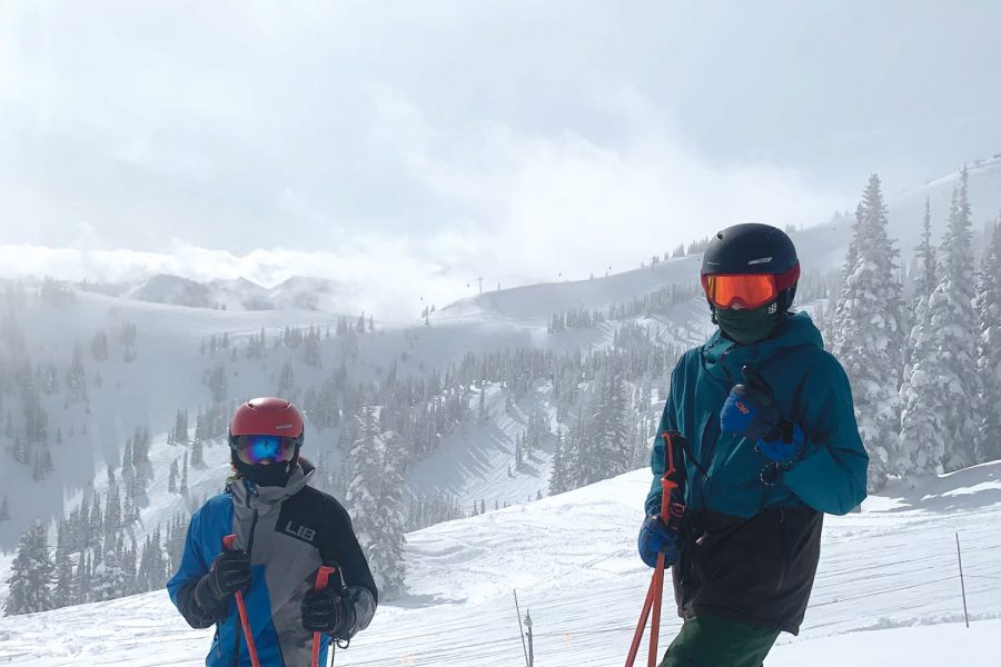 Senior+Jude+Roach+%28left%29+traveled+with+his+brother%2C+sophomore+Taulby+Roach+%28right%29+to+Mt.+Bachelor+in+Oregon+over+mid-winter+break.+%E2%80%9CWe+couldn%E2%80%99t+do+everything+we+wanted+to+but+it+was+still+a+good+time%2C%E2%80%9D+Roach+said.+He+plans+to+join+the+ultimate+team+mid-season+after+his+two-week+quarantine+period.+